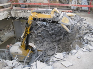 hydraulic-demolition-shears-concrete